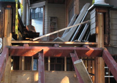 misc_steel_house4_md